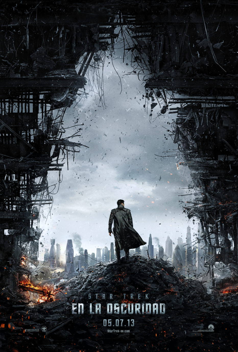 Primer Póster y trailer de Star Trek into Darkness