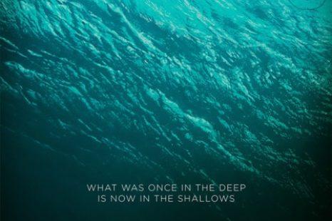 Infierno azul: surfista vs. tiburón